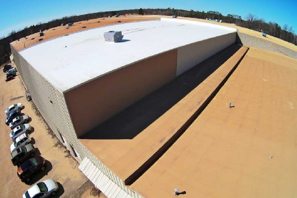 Advantages and Disadvantages of Different Commercial Roofing Systems