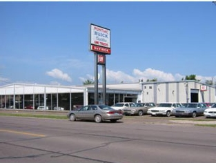 DeVinck's Auto Sales | Superior, WI Commercial + Industrial Roofing Project